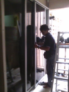Memasang Sliding Door