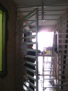 kerja-kerja emasang owning di tingkat 13,Taman Danau Desa,Cheras, KL